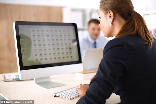 How the internet is affecting the human brain: Multitasking and relying on Google to jog memories | Daily Mail Online