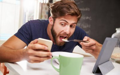 'Zombie Eating': 88% Of Adults Dine While Staring At A Screen, Survey Finds