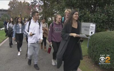 'It's Really Refreshing And Relaxing': College Students Say Ditching Their Smartphones For A Week Changed Their Lives – CBS New York